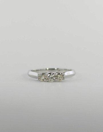 American Jewelry 14k White Gold 1/2ctw Round Brilliant Diamond Past, Present & Future Engagement / Anniversary Ring (Size 6.5)