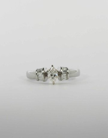 American Jewelry 14k White Gold 1/6ct-Ctr 1/3ctw Marquise & Baguette Diamond Engagement Ring (Size 5)