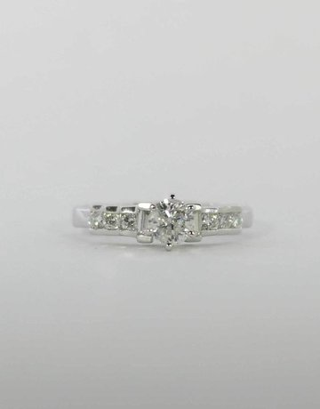 American Jewelry Platinum 1/2ct-Ctr 3/4ctw Round Brilliant & Baguette Diamond Engagement Ring (Size 6)