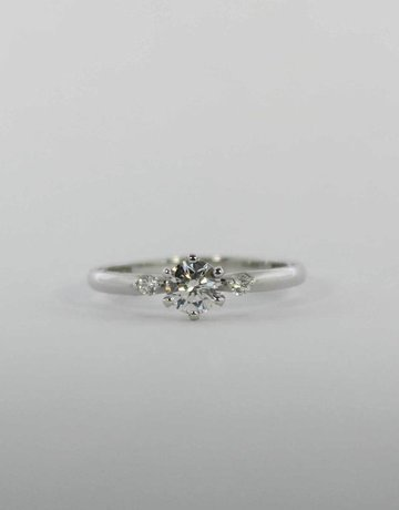 American Jewelry 18KW 1/2CT-CTR .10CTW-RB TACORI ENGAGEMENT RING WITH ROUND BRILLIANTS