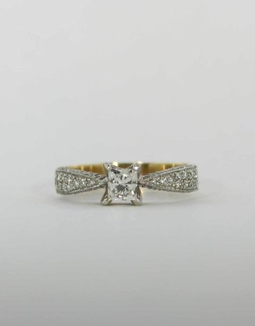 American Jewelry 14k White & Yellow Gold .52ct-Ctr 9/10ctw Princess Cut & Round Brilliant Diamond Pave' Engagement Ring (Size 7)