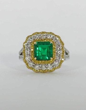 American Jewelry 14k White & Yellow Gold 1.6ct Emerald & 1.3ctw White & Yellow Diamond Halo Ladies Ring (Size 6.5)