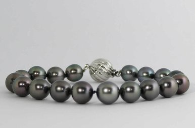 "14KW 7.5"" BLACK TAHITIAN PEARL 8.5-9.5MM STRAND BRACELET WITH DIAMOND CLASP"