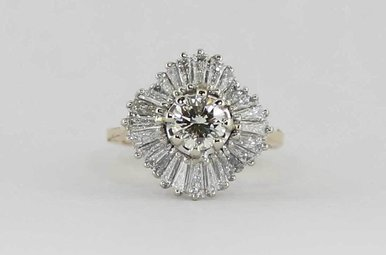 14KY/W .82CT-CTR SI1/I 2.82CTW LADIES BALLERINA RING WITH ROUND BRILLIANT CENTER & BAGUETTES