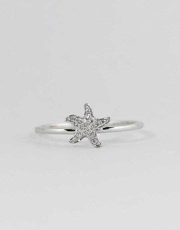 American Jewelry 14k White Gold Diamond Starfish Novelty Ladies Fashion Ring (size 7)