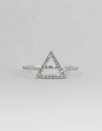 American Jewelry 14k White Gold .18CTW TRIANGLE LADIES DIAMOND RING