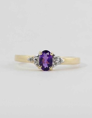 American Jewelry 14k Yellow Gold Oval Amethyst & Diamond Ladies Birthstone Ring (Size 6.5)