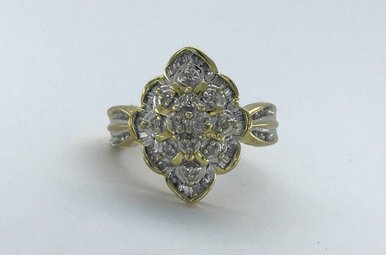 10k Yellow Gold 1/2ctw Diamond & Baguette Cluster Vintage Estate RIng (Size 6)
