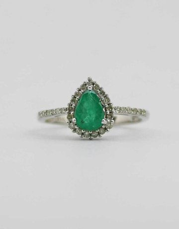 American Jewelry 14k White Gold 5/8ct Pear Emerald & 1/5ctw Diamond Halo Ladies Ring (Size 7)