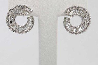 18KW 2.16CTW ROUND BRILLIANT & BAGUETTE DIAMOND TWIST EARRINGS