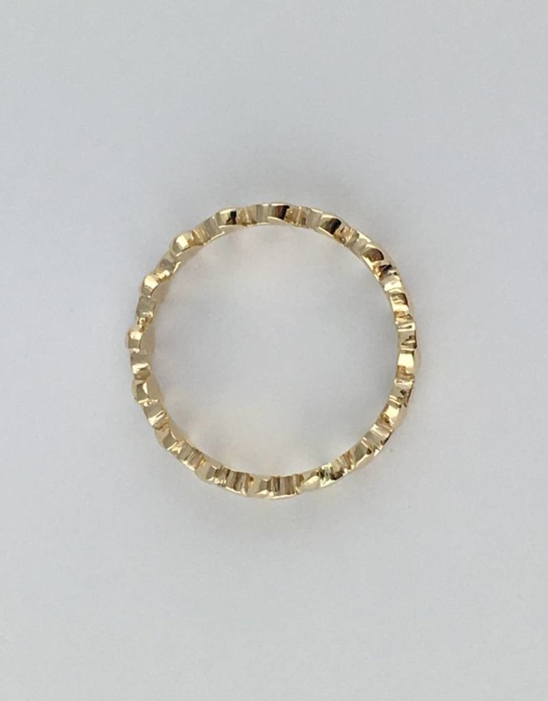 American Jewelry 14k Yellow Gold Leaf Eternity Vine Stackable Band Ring (Size 6)