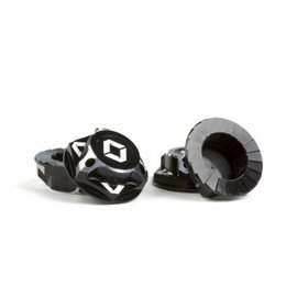 Avid RC AV1822-BLK  Black Triad 17mm Capped Wheel Nuts (4)