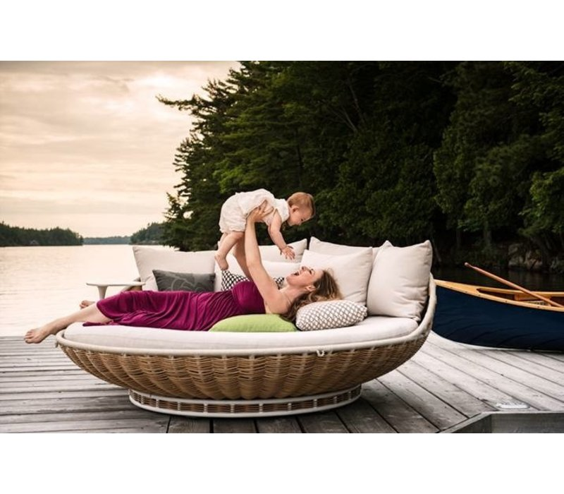 SWINGREST STANDING LOUNGER WITH ROTATING BASE IN NATURAL