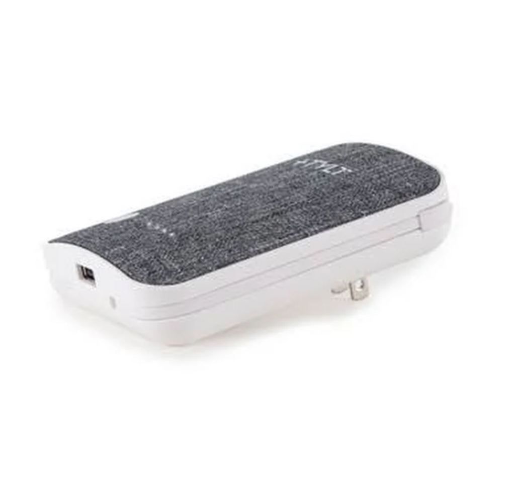 Tylt Tylt 6700mAh xcele3 Battery Pack wtih Lightning & Micro USB Cables - Silver
