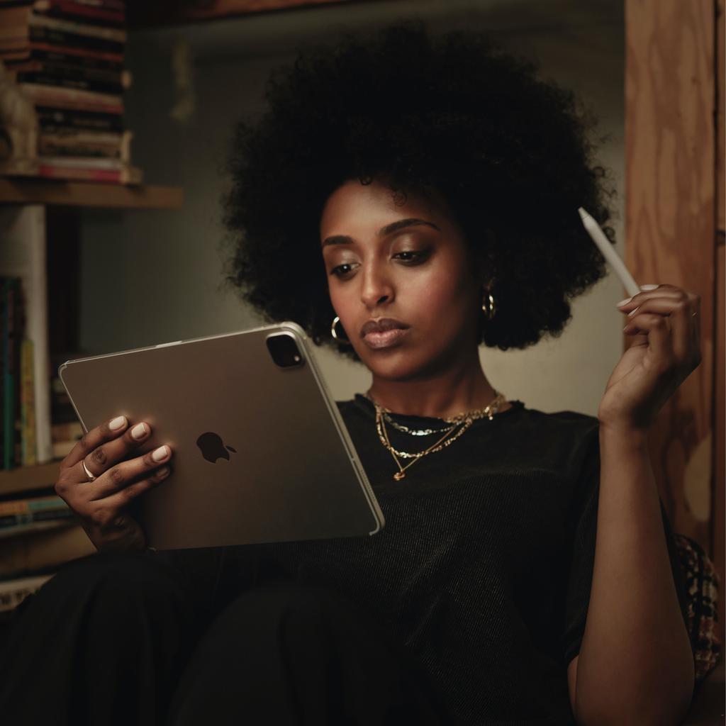 Apple NEW 12.9-inch iPadPro Wi-Fi + Cellular 512GB (4th Generation) - Silver