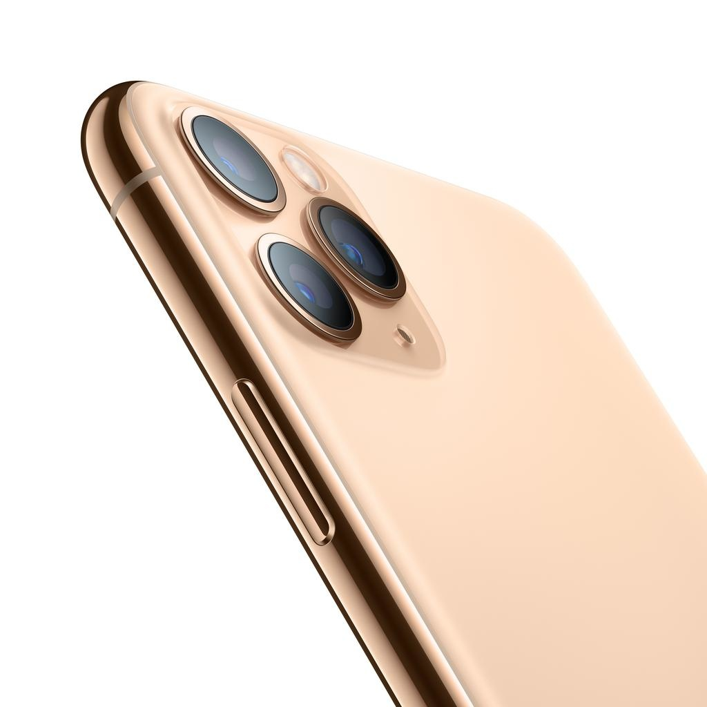 Apple iPhone 11 Pro Max 256GB Gold (Open Box) (includes EarPods and charger)