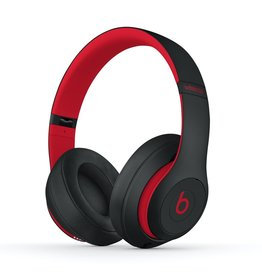Beats Beats Studio3 Wireless Over-Ear Headphones - Defiant Black / Red