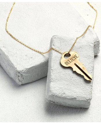 The Giving Keys Dainty XL Pendant