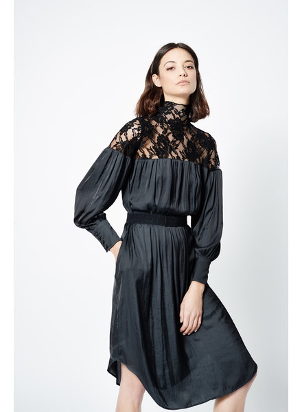 SMYTHE Belted Lace Dress
