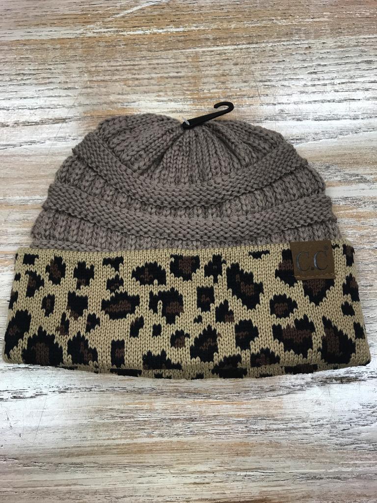 Beanie Taupe Beanie with Leopard print