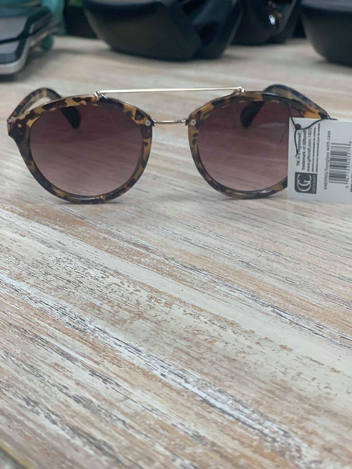 Sunglasses Sunglasses w/ Case