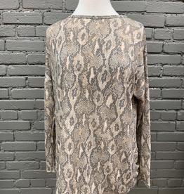 Long Sleeve Snakeskin Twist Back LS