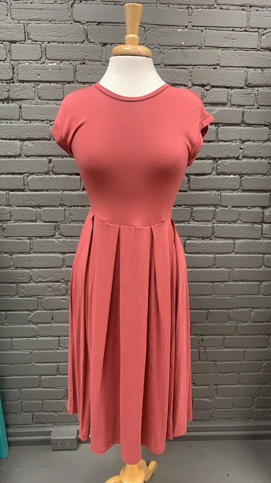 Dress Nicole Midi Dress w/ Pockets