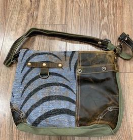 Bag Pristine Need Me Shoulder Bag
