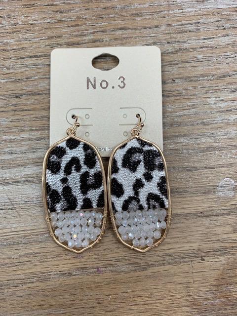 Jewelry White Leopard Bead Oval Earrings