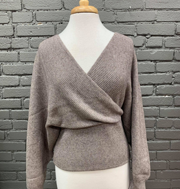 Sweater Monica Yarn Sweater w/ Twist Back