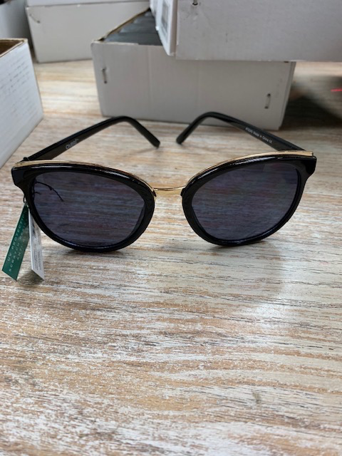 Sunglasses Sunglasses- Black Frame w. Gold