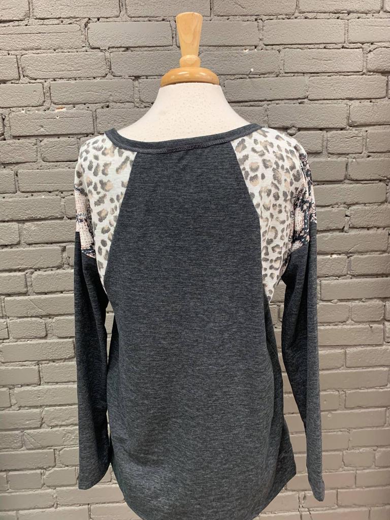 Top Lacy Knit Top w/ Print Block