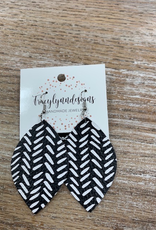 Jewelry TLD Blk Wht Strokes