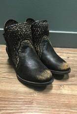 Boot Black/Brown Cutout Shorties