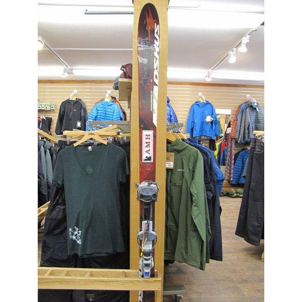 AMH Mountaineering Ski Rental