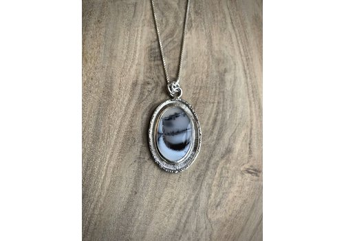 Oval Dendritic Agate Necklace