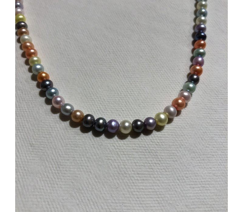 Round Pastel Pearl Necklace