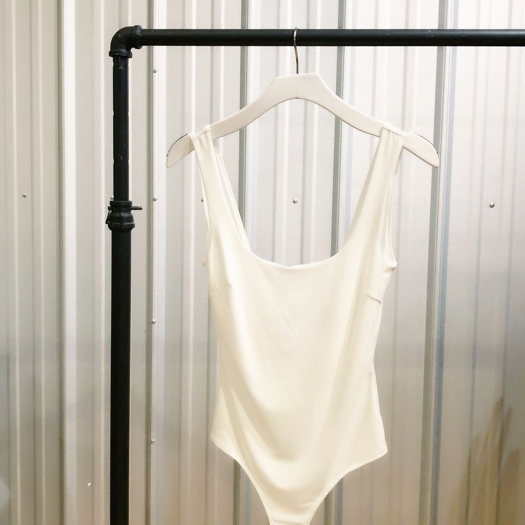 Simple Scoop Neck Body Suit
