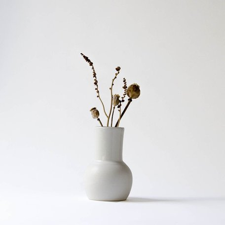 Rounded Vase Assorted -White Collection
