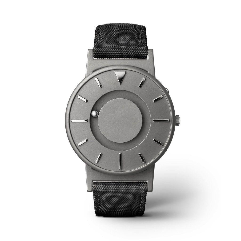 Eone Eone Watches - The Bradley Canvas // Noir