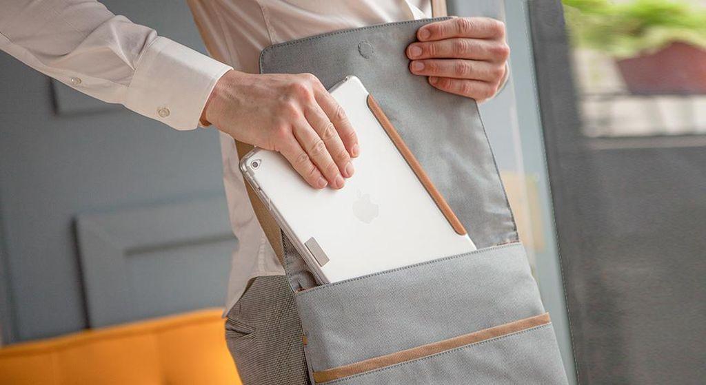 Moshi Moshi Aerio Lite Messenger Bag