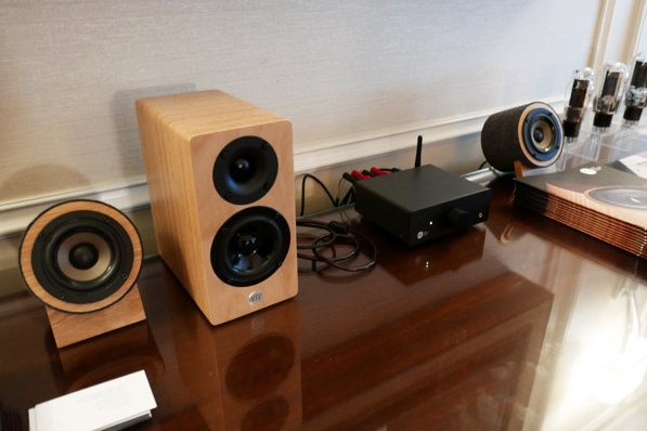 Well Rounded Sound Well Rounded Sound MM2 Desktop Monitor
