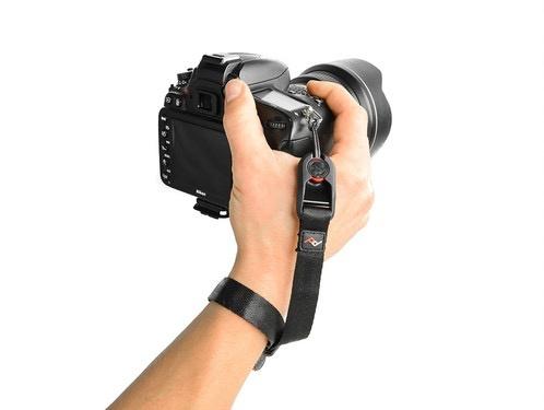 Peak Design Peak Designs Cuff® - Ash<br /> Quick-connecting camera wrist strap.