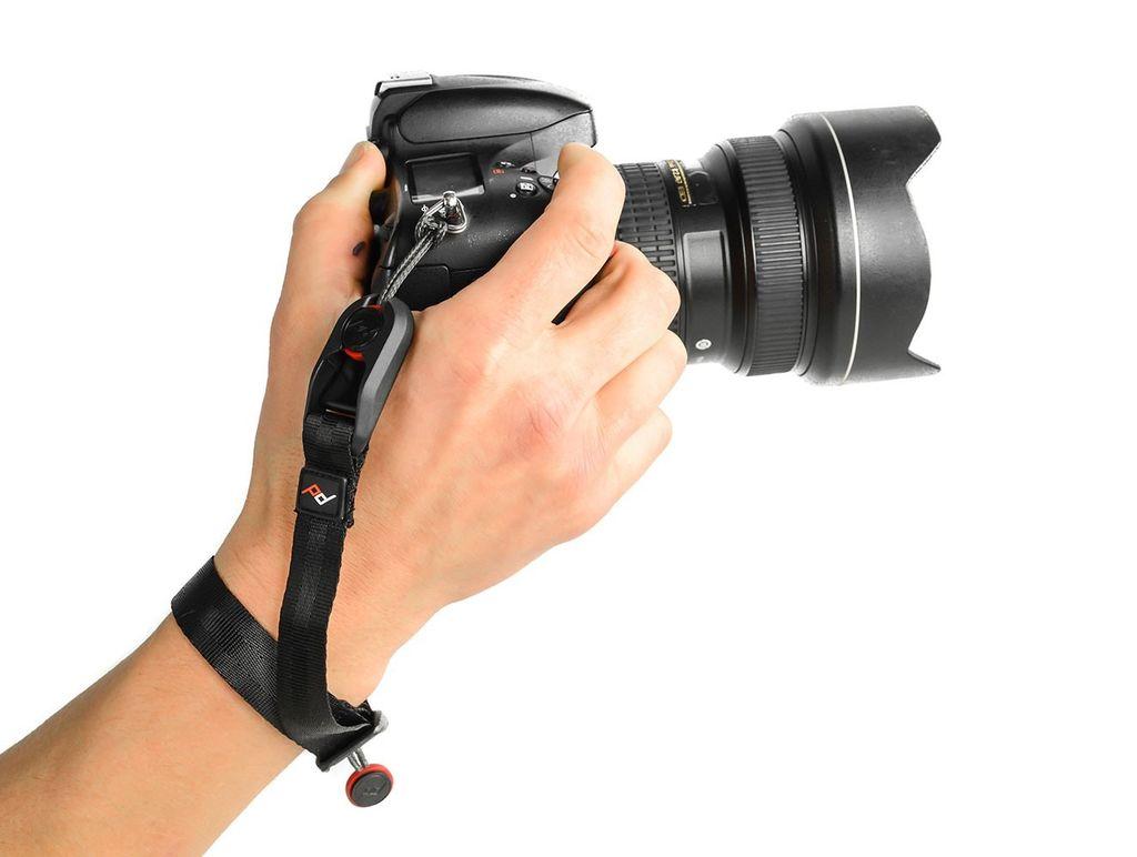 Peak Design Peak Designs Cuff® - Charcoal<br /> Quick-connecting camera wrist strap