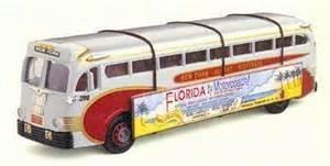 Corgi Champlain Yellow Coach 743 US98468