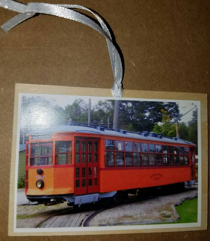 Wooden Ornament ~ Gift Tag Car 5821