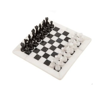 CHESS SET: BLACK & WHITE ONYX