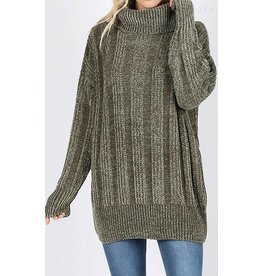 OVER SIZED CABLE KNIT CHENILLE SWEATER W/ TURTLE NECK