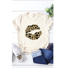 KISSED APPAREL LEOPARD LIPS GRAPHIC TEE