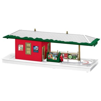 PRE-ORDER Lionel O Gauge Christmas Operating Freight Station #2029180